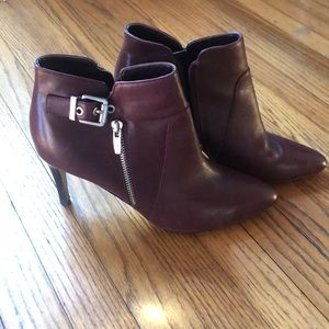 Marc Fisher booties burgundy